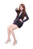 Szczęśliwy biznesowej kobiety obsiadanie Zdjęcie Royalty Free