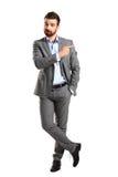 Szczęśliwy biznesowy mężczyzna przedstawia i pokazuje obraz stock