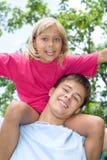 Szczęśliwy brat i siostra obrazy royalty free