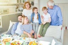 szczęśliwy dom rodzinny obraz stock