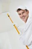 Szczęśliwy domowego malarza pracownik obraz stock