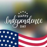 Szczęśliwy dzień niepodległości Stany Zjednoczone Ameryka kaligraficzny plakat, karciany etc, tła fajerwerków chorągwiany nocne n royalty ilustracja