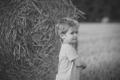 szczęśliwy dzieciak Dzieciństwo, młodość, przyrost Zdjęcie Stock