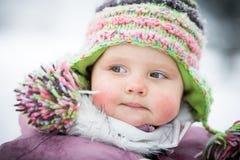 Szczęśliwy dziecko na zimy tle Obraz Stock
