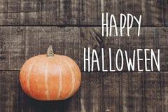 Szczęśliwy Halloween teksta znak, kartka z pozdrowieniami prosty spadku wizerunku mieszkanie Obrazy Stock