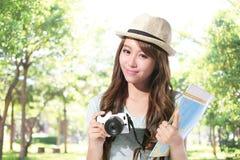 Szczęśliwy kobieta turysta Zdjęcia Stock