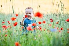 Szczęśliwy krewni w natury ono uśmiecha się obrazy royalty free
