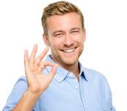 Szczęśliwy mężczyzna ok znak - portret na białym tle Zdjęcia Royalty Free