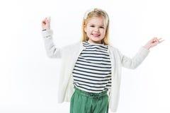 szczęśliwy małe dziecko pokazuje pokojów gesty Zdjęcia Royalty Free