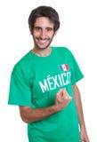 Szczęśliwy meksykański sporta fan z brodą obrazy stock