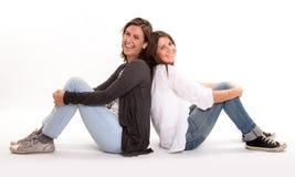 Szczęśliwy nastolatek i jej matki śmiać się obrazy royalty free