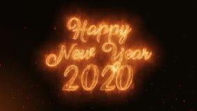 Szczęśliwy nowego roku 2020 słowo Pali Realistycznych Pożarniczych płomienie Iskrzy ciągłego płynnie lop royalty ilustracja