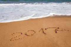 Szczęśliwy nowy rok 2017 na plaży Zdjęcia Stock