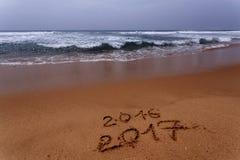 Szczęśliwy nowy rok 2017 na plaży Obraz Royalty Free
