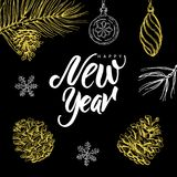 Szczęśliwy nowy rok! Wręcza pisać bożego narodzenia doodle na czarnym tle i literowanie Obraz Royalty Free