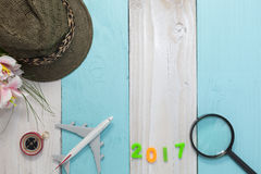 Szczęśliwy nowy rok 2017 z podróży przygotowania wyposażeniem, strój Zdjęcia Stock