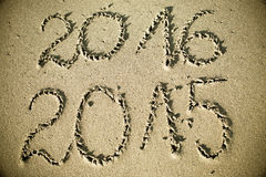 Szczęśliwy nowy rok 2016 zamienia 2015 Obrazy Stock