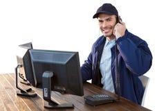 Szczęśliwy ochrona oficer opowiada na telefonie Obraz Royalty Free