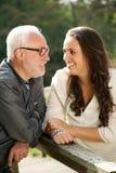 Szczęśliwy ojciec i piękna córki więź uczuciowa Zdjęcie Stock