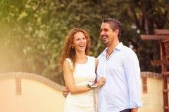 Szczęśliwy pary czuć wielki Obrazy Stock