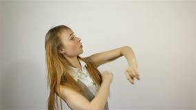 Szczęśliwy piękny młoda kobieta taniec zbiory