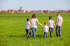 szczęśliwy pola rodziny Obraz Royalty Free
