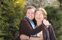 Szczęśliwy rodzinny Granddoughter i babcia zdjęcie stock