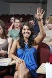 Szczęśliwy Studencki odpowiadanie W klasie obraz stock
