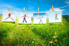 Szczęśliwy teenegers skakać zdjęcie stock