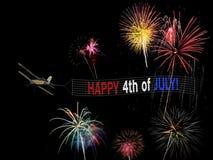 Szczęśliwy 4th Lipa samolotu i sztandaru latanie z fajerwerku pokazem dla dnia niepodległości Fotografia Royalty Free