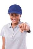 Szczęśliwy, uśmiechnięty kobieta pracownik, wskazuje przy tobą Zdjęcia Royalty Free