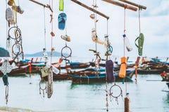 Szczęśliwy w życiu dekoracja dżonka śmieci od dennego obwieszenia bambusowy drzewo Zdjęcie Stock