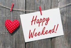 Szczęśliwy weekend - czerwony serce z znakiem i tekstem obrazy stock