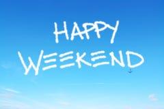 Szczęśliwy weekend pisać w niebie fotografia stock