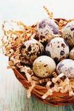 Szczęśliwy Wielkanocny rocznik i naturalna stylowa pocztówka Zdjęcia Stock