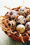 Szczęśliwy Wielkanocny rocznik i naturalna stylowa pocztówka Selekcyjna ostrość Zdjęcia Stock