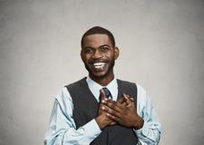 Szczęśliwy, zdziwiony młody biznesmen, Fotografia Royalty Free