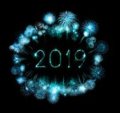 2019 szczęśliwych nowy rok z błyskotanie fajerwerkiem obrazy royalty free