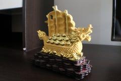 Szczęsliwy jachtu smoka statek obraz stock