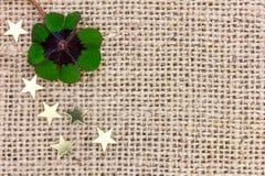 Szczęsliwa koniczyna i gwiazdy dla Nowego Year& x27; s wigilia 2017 Fotografia Royalty Free