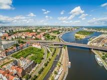 Szczecin με το Oder ποταμό που βλέπει από την άποψη ματιών πουλιών ` s Τοπίο Szczecin με το πρόχωμα Piastowski, τη διαδρομή κάστρ στοκ φωτογραφίες