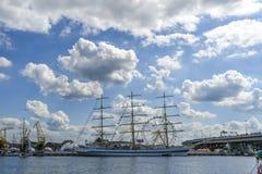 Szczecin, Польша, 7-ое августа 2017: Корабль на набережной во время ребра Стоковые Изображения RF