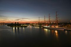 Szczecin, Польша, 7-ое августа 2017: Панорама набережной в Szczeci Стоковые Фотографии RF