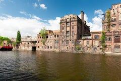 Szczecin Fábricas viejas en el río de Odra en la parte histórica de la ciudad fotos de archivo libres de regalías