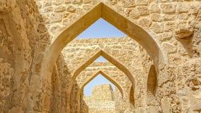 Szczegół łuki przy Al Qalat fortem, Qal «przy Bahrajn fotografia stock