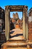 Szczegół antyczny kamienny świątynny wejściowy drzwi przy Angora Wat Zdjęcia Royalty Free