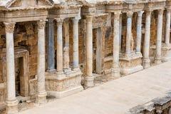 Szczegół kolumnada na theatre, Hierapolis zdjęcia stock
