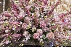 Szczegół kwiecista ornamentacja na tronie Święty tydzień zdjęcie royalty free