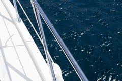 Szczegół pływa statkiem w morzu motorowa łódź zdjęcia royalty free