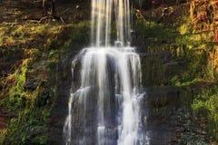Szczegół piękna siklawa, Nant Bwrefwy, Górny Blaen-y-Glyn Zdjęcia Stock
